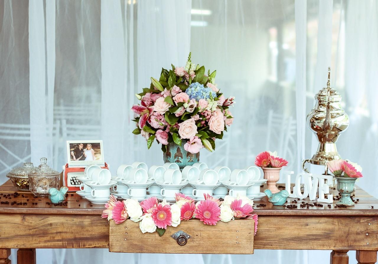 Romantic Tablescape for Two Bloghop