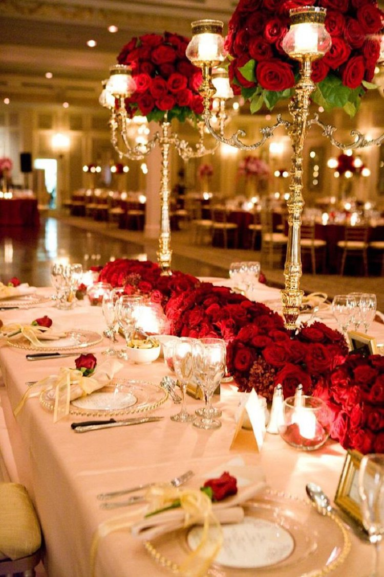 luxurious valentines table