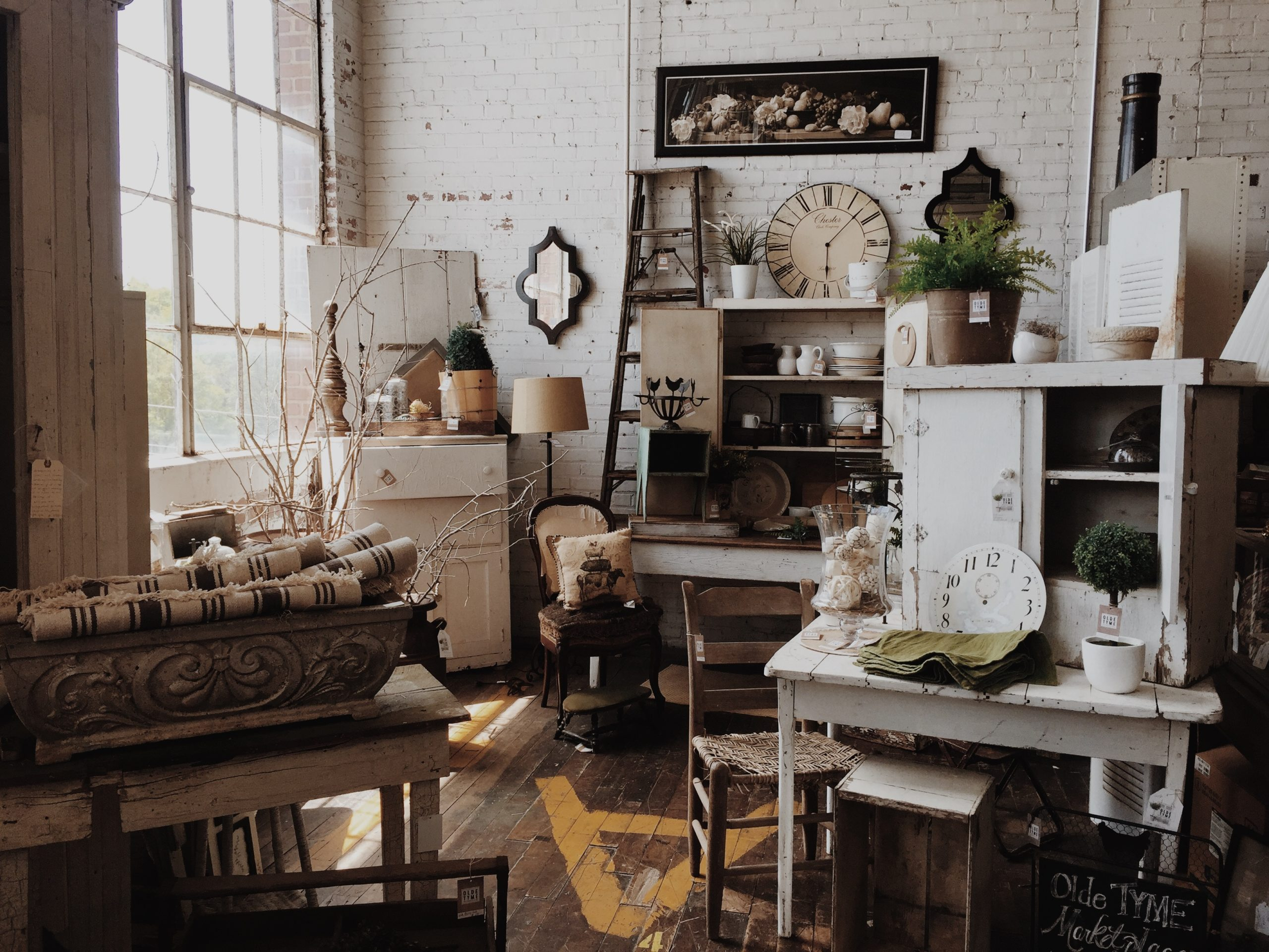 14 Tips on How to Open an Antique Booth