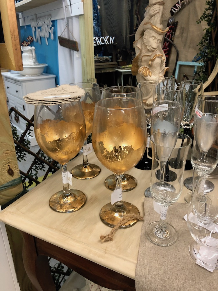 gold wine glasses