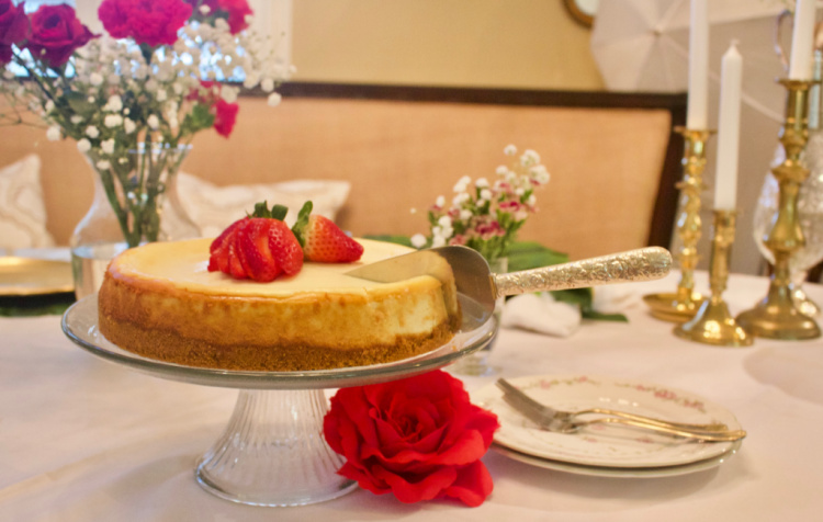 wedding cake server